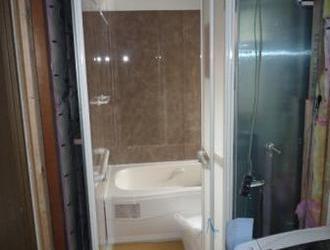 小さい浴室を増築なしに広い浴室に変えるリフォーム?のサムネイル